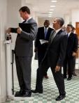 Obama Puede Bromear Con Cualquiera..Todos se Reiran