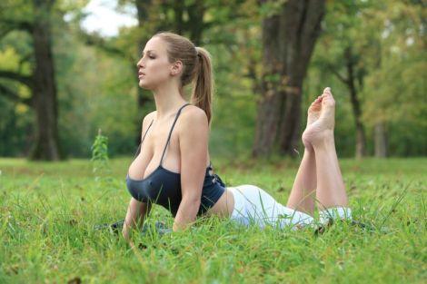 Maestras de yoga con las que es muy dificil concentrarse