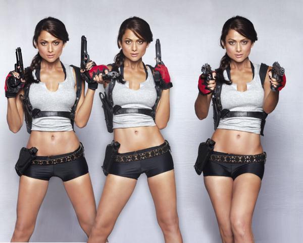 Amrita Arora es Lara Croft en Maxim India (5)