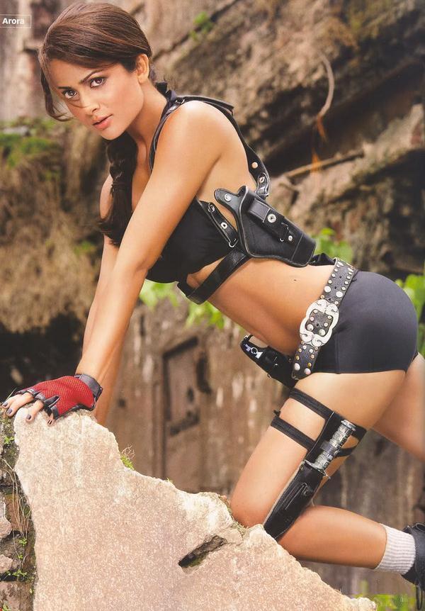 Amrita Arora es Lara Croft en Maxim India (10)