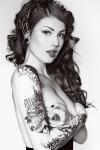 z. mujer tatuada